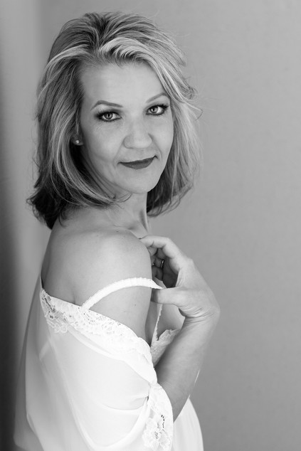 Lisa_Schwerin_Boudoir_Bedroom_Lingerie_Portrait_Photographer_Fort_Smith_Fayetteville_Rogers_Arkansas