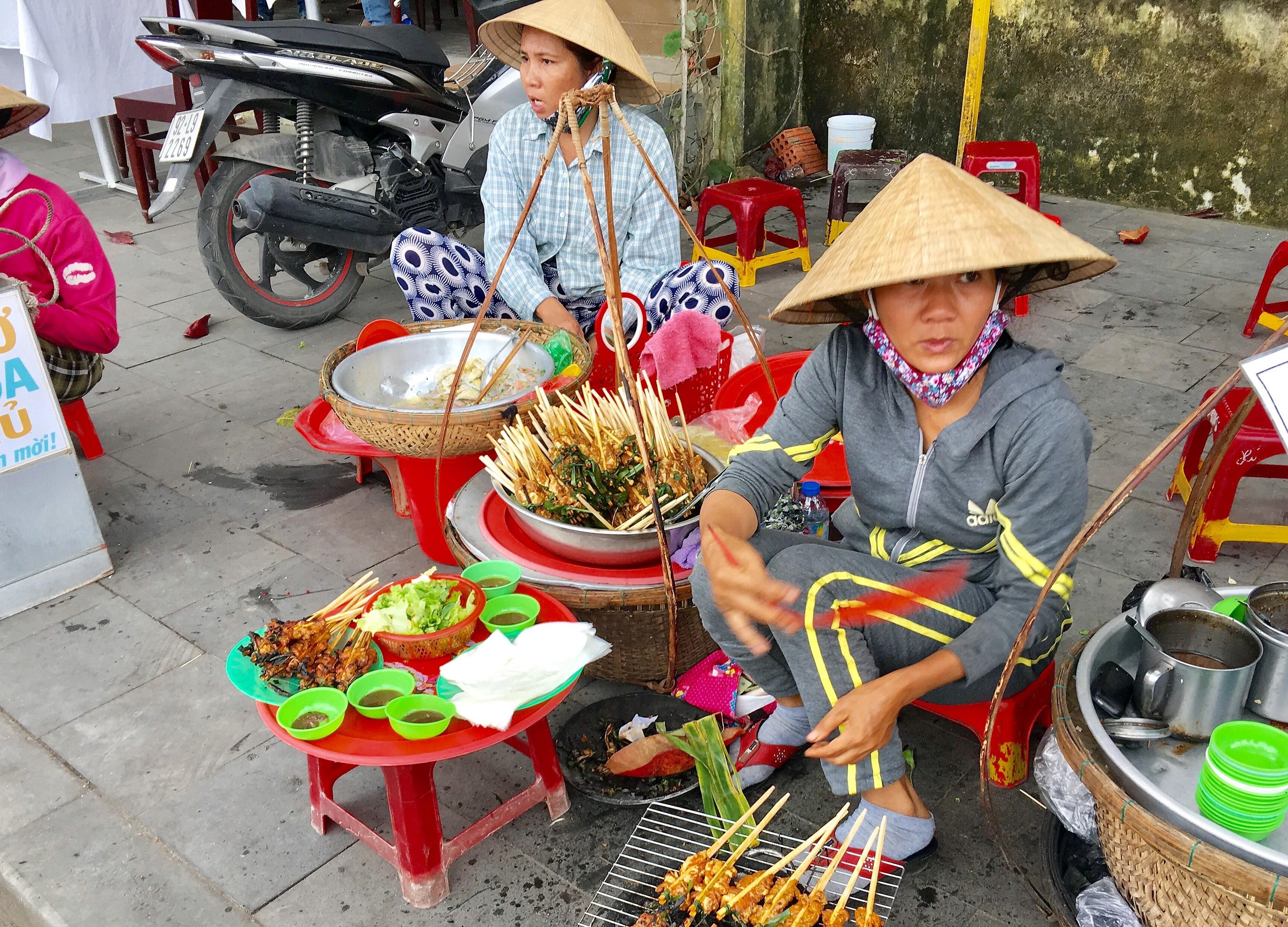 Street Food Tour (Min. 2)