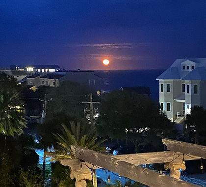 moonrise at Rooftop.jpg