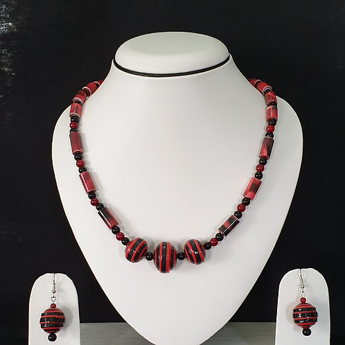 Black and Red Short Set with Round Earrings