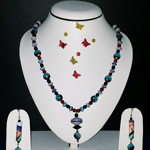 Neck piece set of multicolour beads with matching ear rings