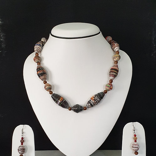 Short Set with Brown Tonned Beads & Round Earrings