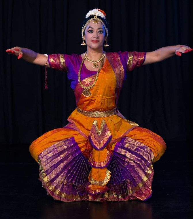 Ofisquina Dança Clássica Indiana