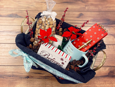 How to Create a Holiday Gift Basket