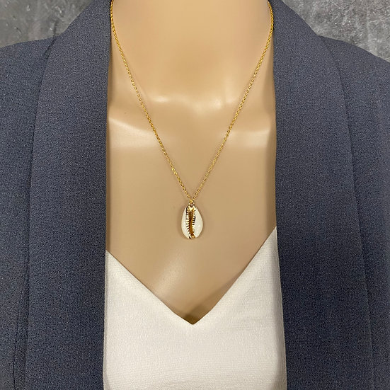 Gold Trimmed Dainty Seashell Necklace