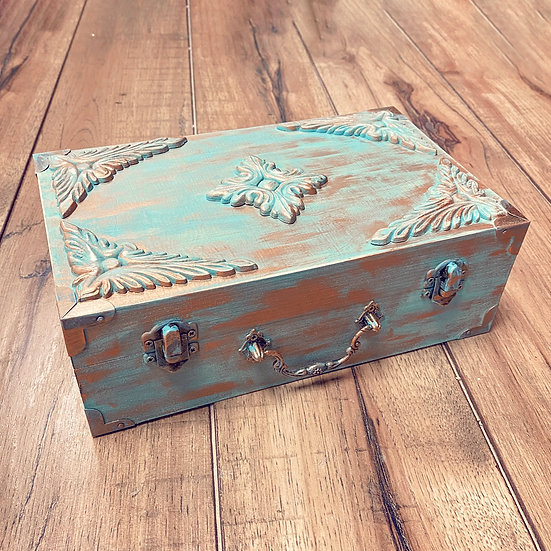 Vintage Jewelry Box - Arts & Craft Kit