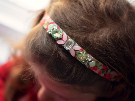 Make a Rhinestone Headband in 4 Easy Steps