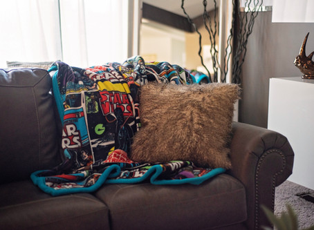How to Make a Reversible Fleece Blanket