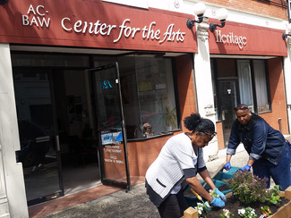 Downtown Merchant Assoc & Friends Clean Up 4th Ave