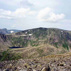 Ben_Macdui_from_Derry_Cairngorm_edited.j