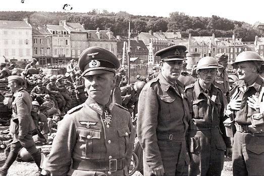 Major General Fortune with General Major