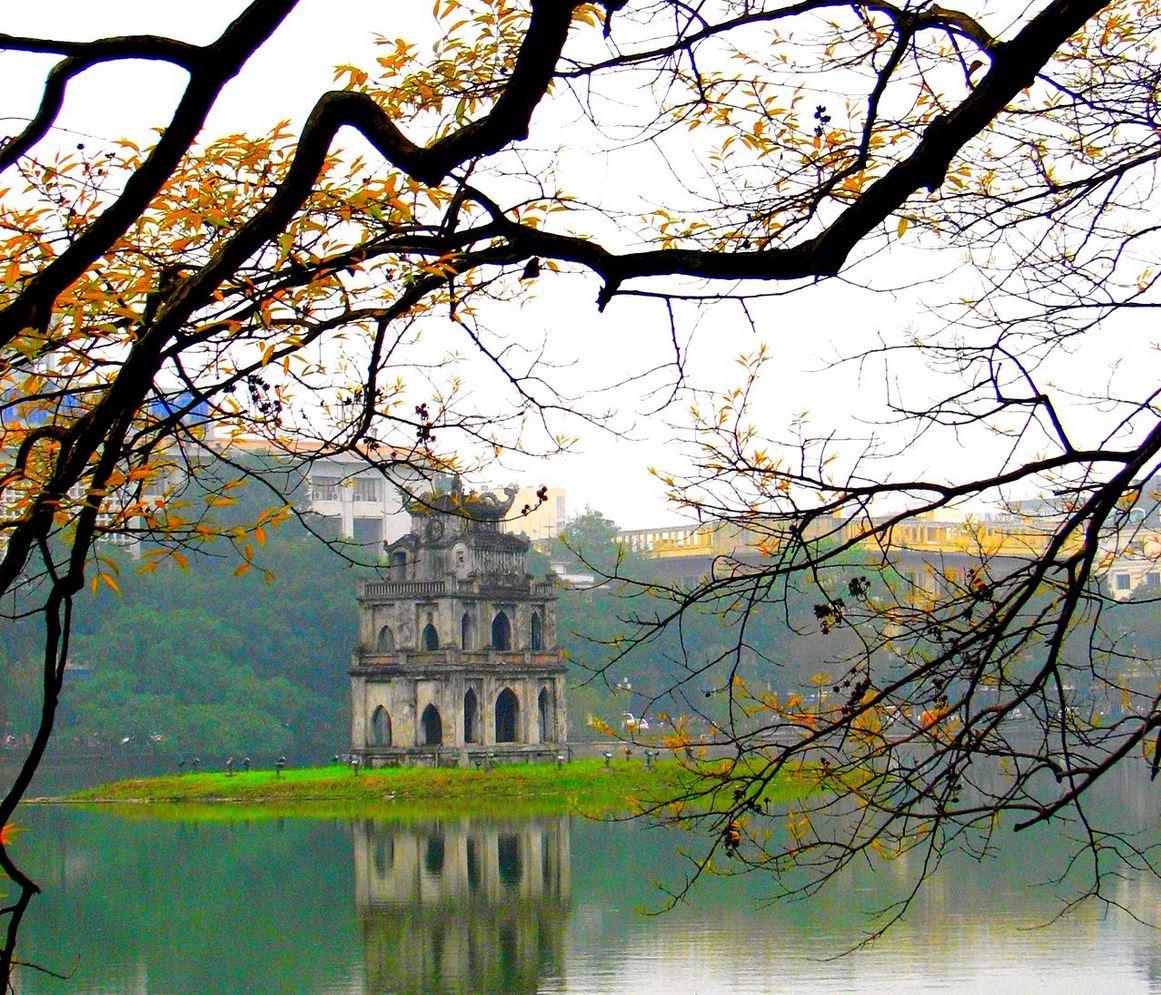 ホアンキエム湖亀の塔