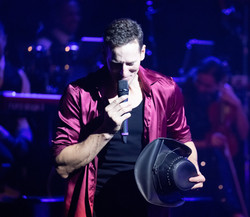 Brendan Cole Show Man-1625-2_edited