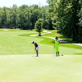 3 Lady Golfers