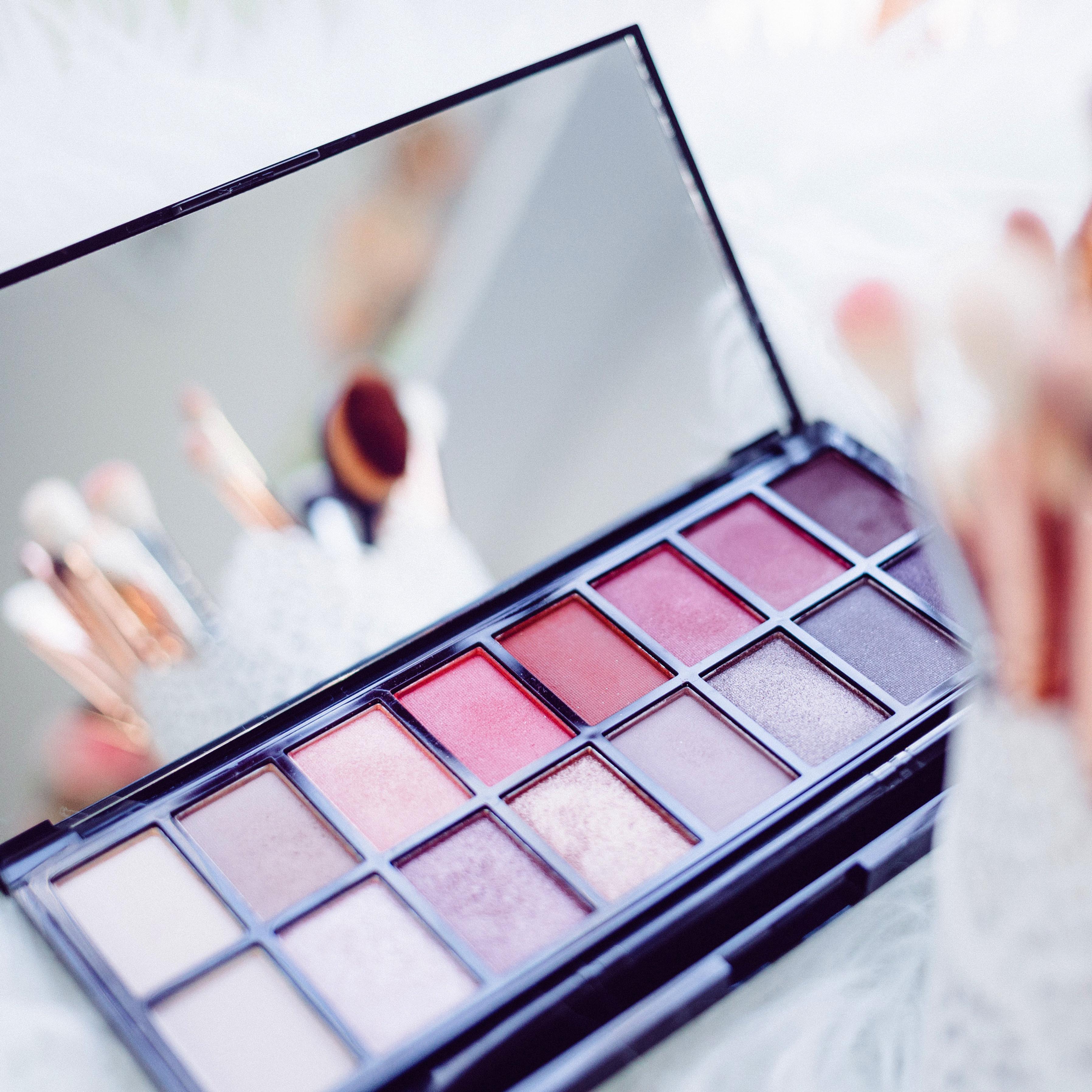 High Glam Make-up Application