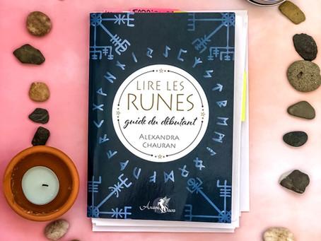 Lire les Runes, guide du débutant, de Alexandra Chauran