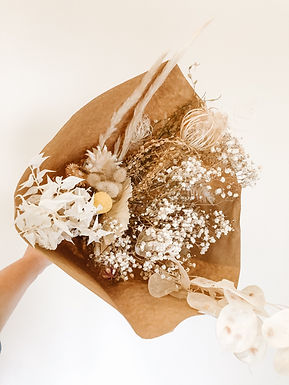 Dried textural bouquet