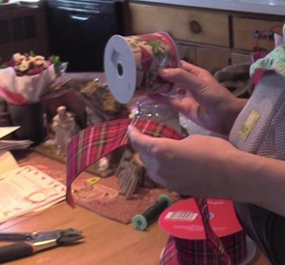 Making a Bow with Susan