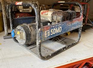 240_110 petrol generator Hire