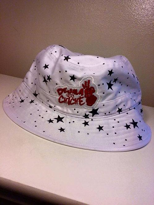 Dejala Que Chiche Bucket Hat (Blanca/Estrellas)