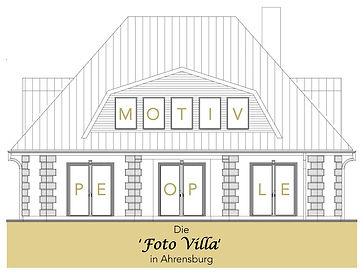 mit LogoDie Foto Villa in Ahrensburg Var