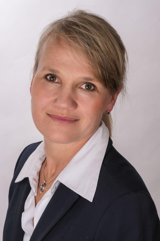batch_Bewerbungsfoto Katja Reiners 3