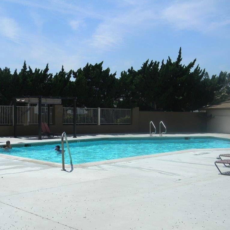 Rancho Riverside Pool