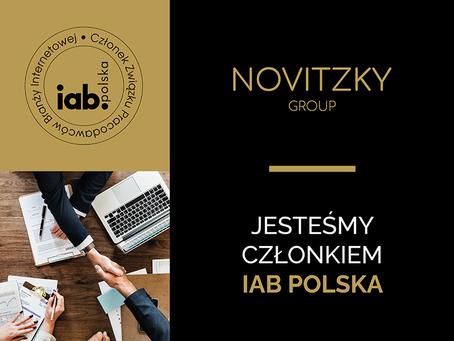 NOVITZKY GROUP dołącza do IAB Polska.