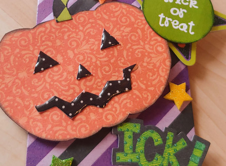 Day 4 of the 12 Days of Halloween showcases Treat Pouches and Gift Card Holders.