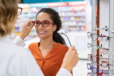 Optician fitting glasses_1785830156 (1).