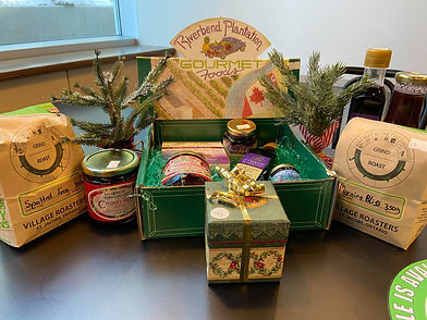 Christmas Gift Baskets at HomeQuarter Co