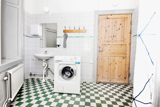 Laundry facilities in apartment or in hostel