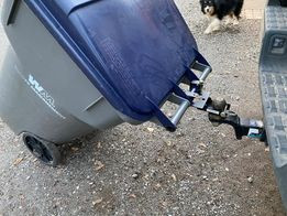 garbage can carrier