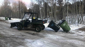UTV garbage can hitch