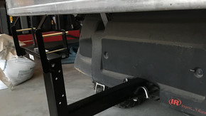 garbage can carrier hitch
