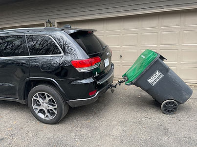 garbage can hauling device