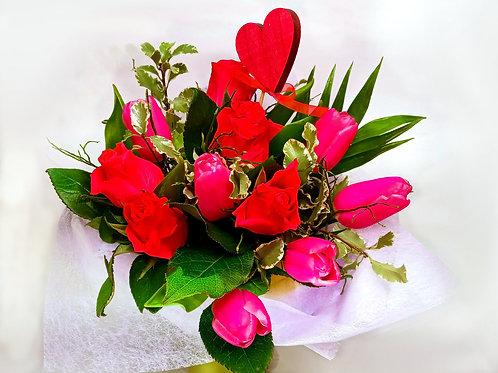 Tulpju, rožu pušķis