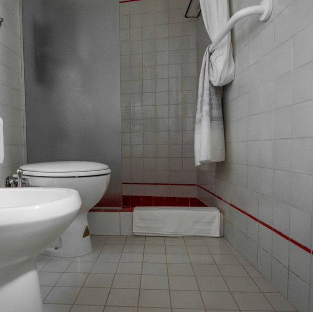 Bathroom /02