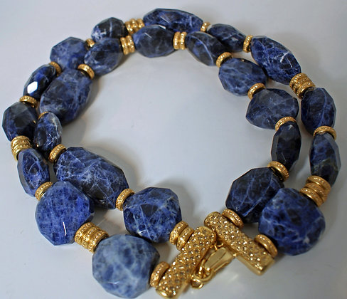 A Christian Dior Necklace