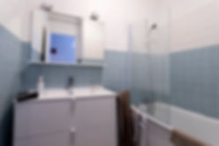 Salle de bain appart lunel.jpg