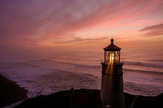 heceta-head-lighthouse-at-sunset-built-i