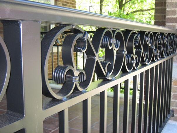 railings-exterior-aluminum-512x384.jpg