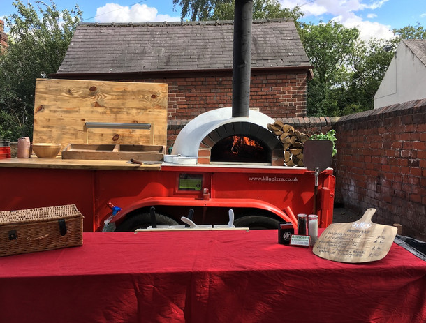 Millhouses woodfired pizza 001.JPG