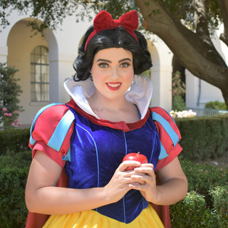 Snow White Party Character