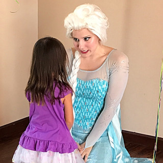 Elsa gives advice to a new friend.