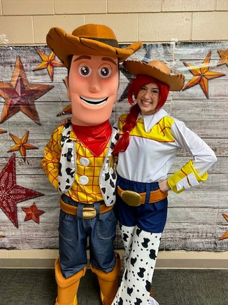 Woody and Jessie Assistant
