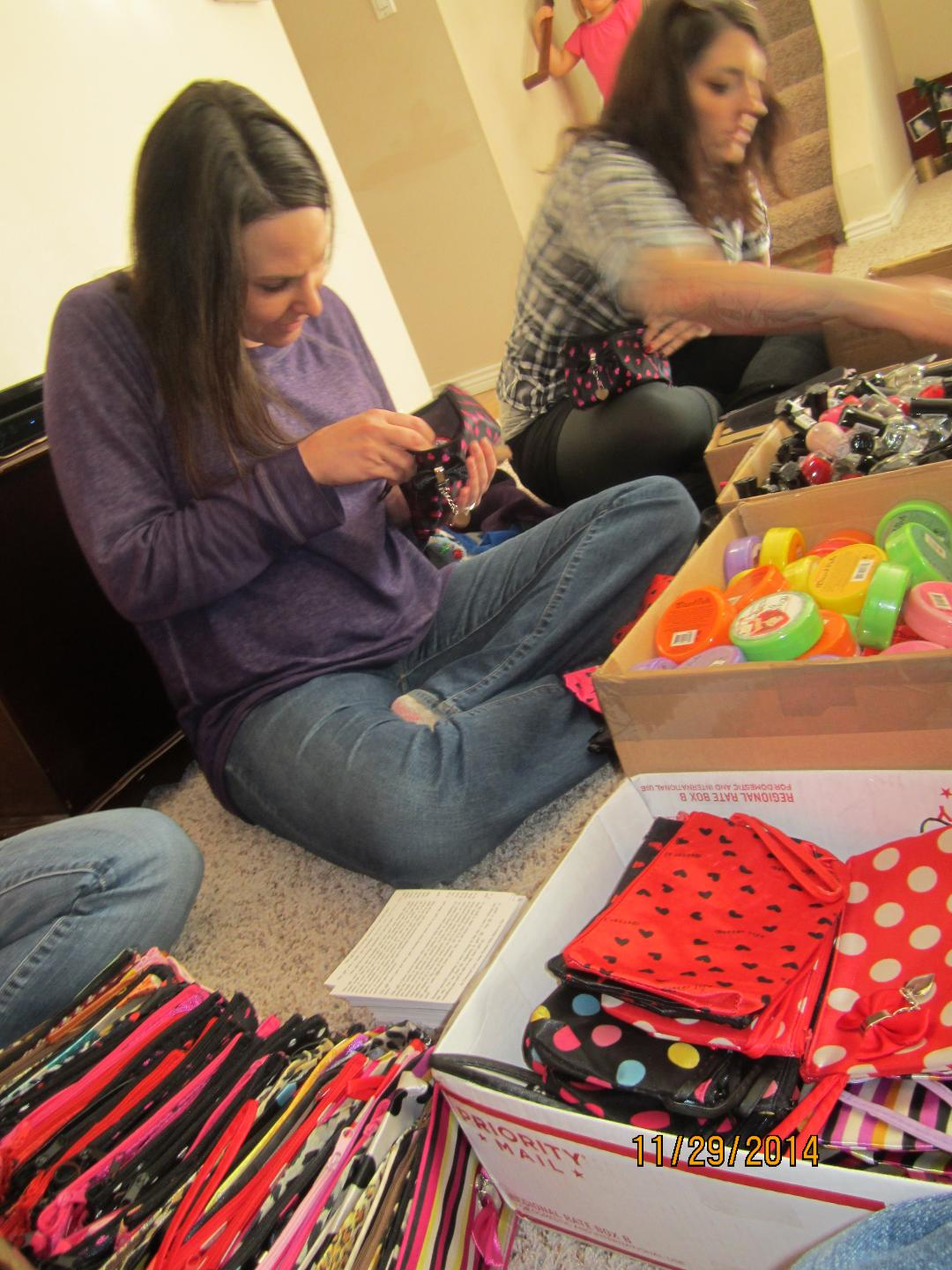 2014 Makeup bags for homeless women