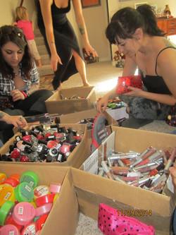 2014 Makeup bags for homeless women