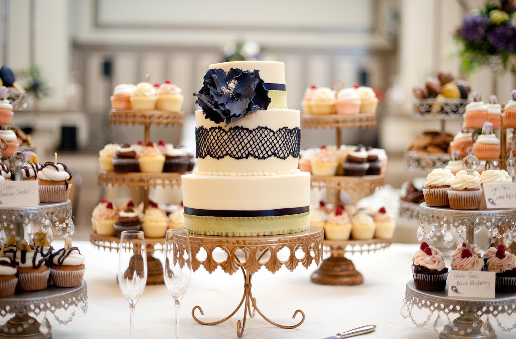 wedding-photography-sneak-peek-elegant-real-wedding-lace-embellished-wedding-cake.original