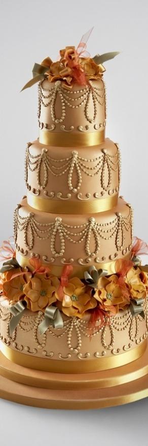 fascinating-gold-wedding-cakes-28